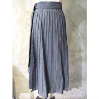 【HYKE】CHAMBRAY PLEATED SKIRT